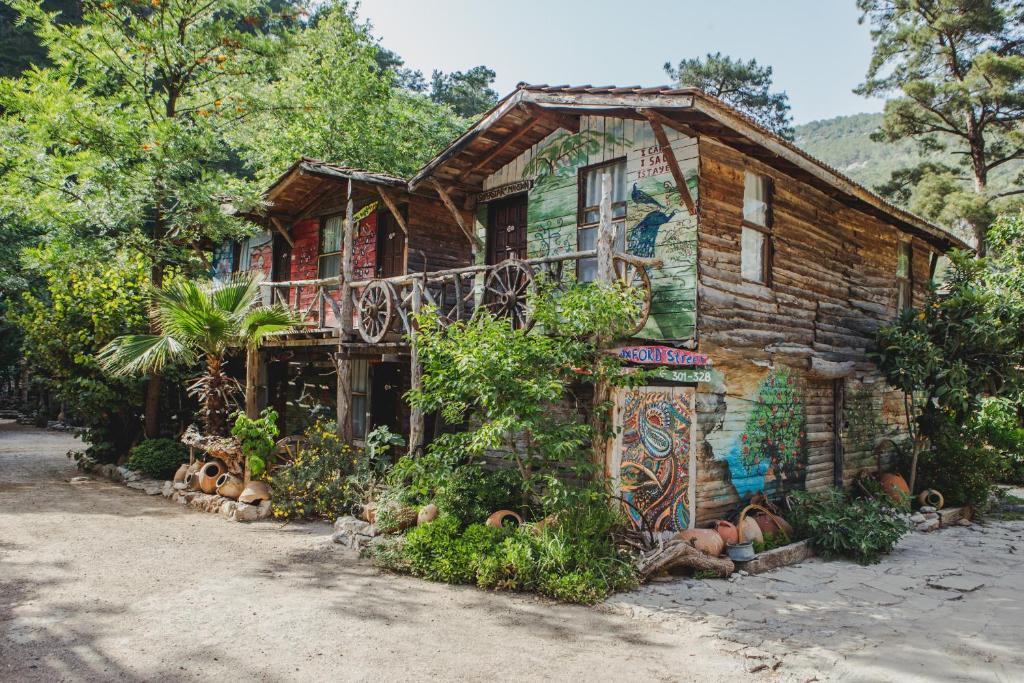 Хостел  Kadir's Top Tree Houses  - отзывы Booking