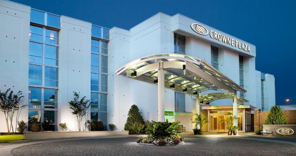 Отель  Crowne Plaza Charleston, an IHG Hotel  - отзывы Booking