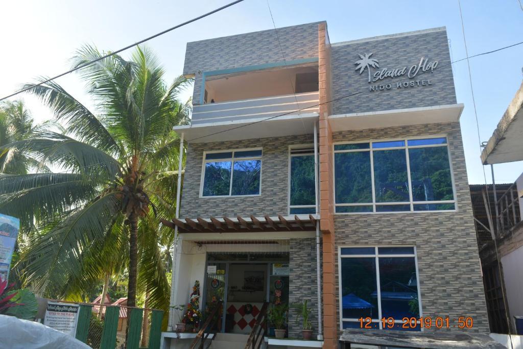 Отель OYO 712 Island Hop Nido Hostel