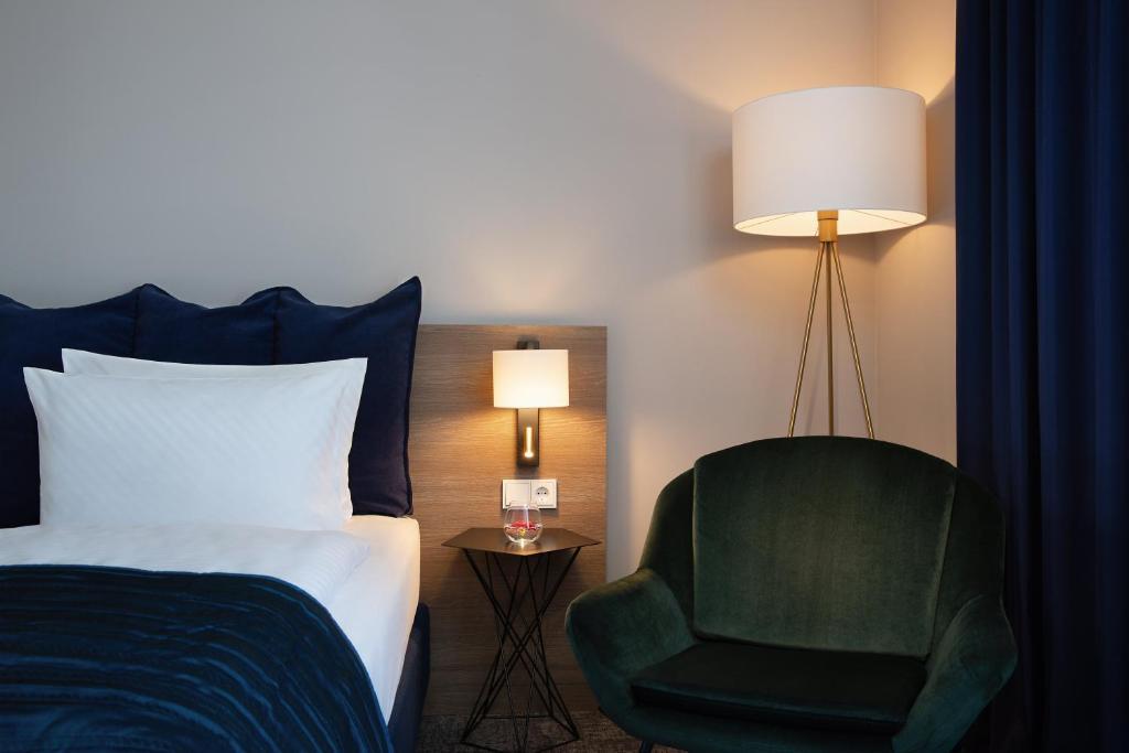 Отель  Отель  Holiday Inn Berlin City Center East Prenzlauer Berg, An IHG Hotel