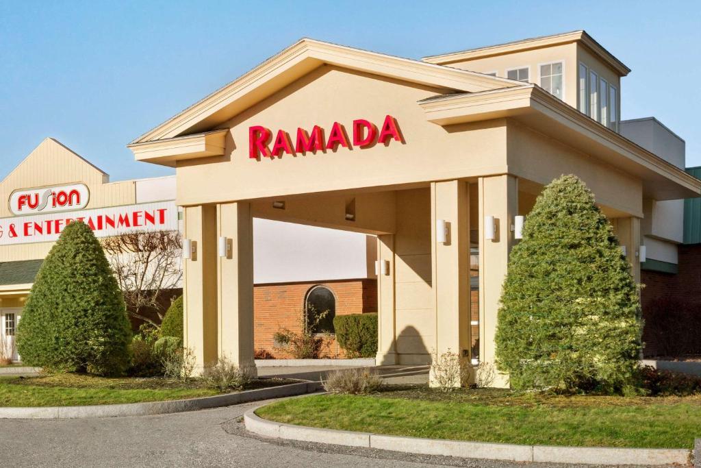 Отель  Ramada Hotel & Conference Center by Wyndham Lewiston  - отзывы Booking