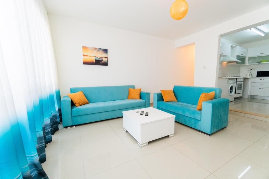 Апартаменты/квартира  Luxury Three-Bedroom Apartment with Sea View A4  - отзывы Booking