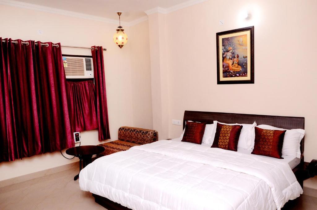 Отель  Отель  Hotel Golden Sunrise Inn