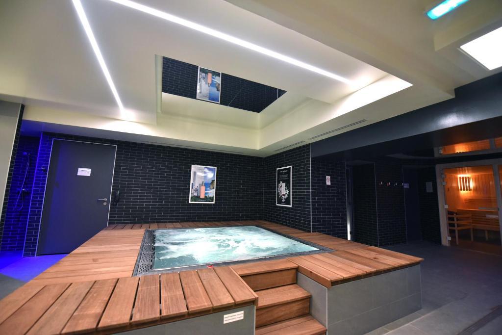 Отель  Kyriad Hotel Dijon Gare  - отзывы Booking