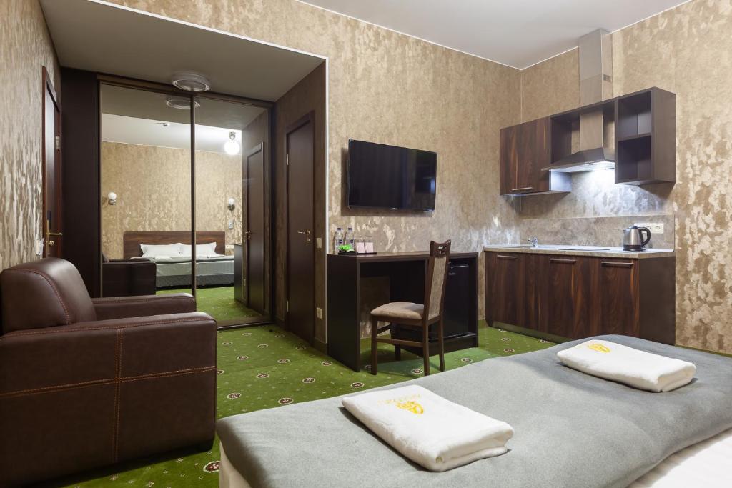 Отель  Амарант Отель  - отзывы Booking