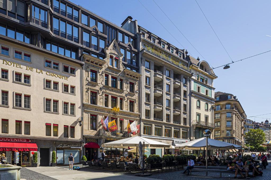 Отель Отель Hôtel De La Cigogne