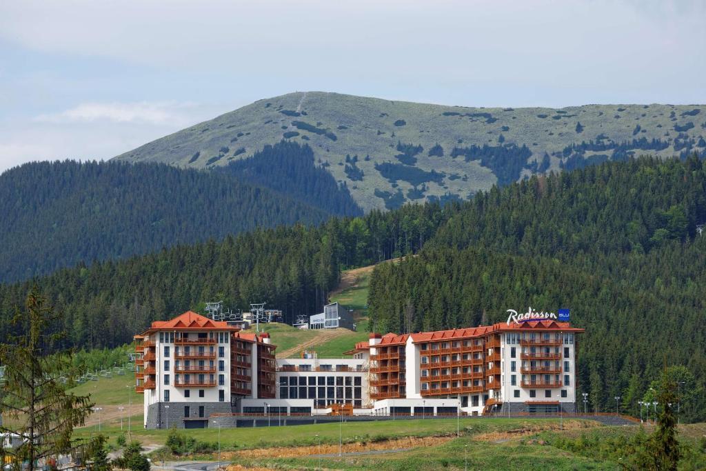 Фото Курортный отель Radisson Blu Resort Bukovel