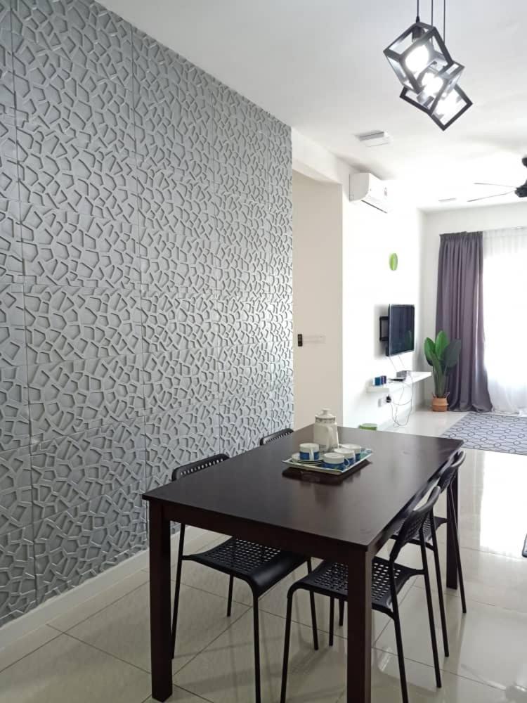 Апартаменты/квартира  Orchid Lodge, Savanna Executive Suite, Southville City  - отзывы Booking