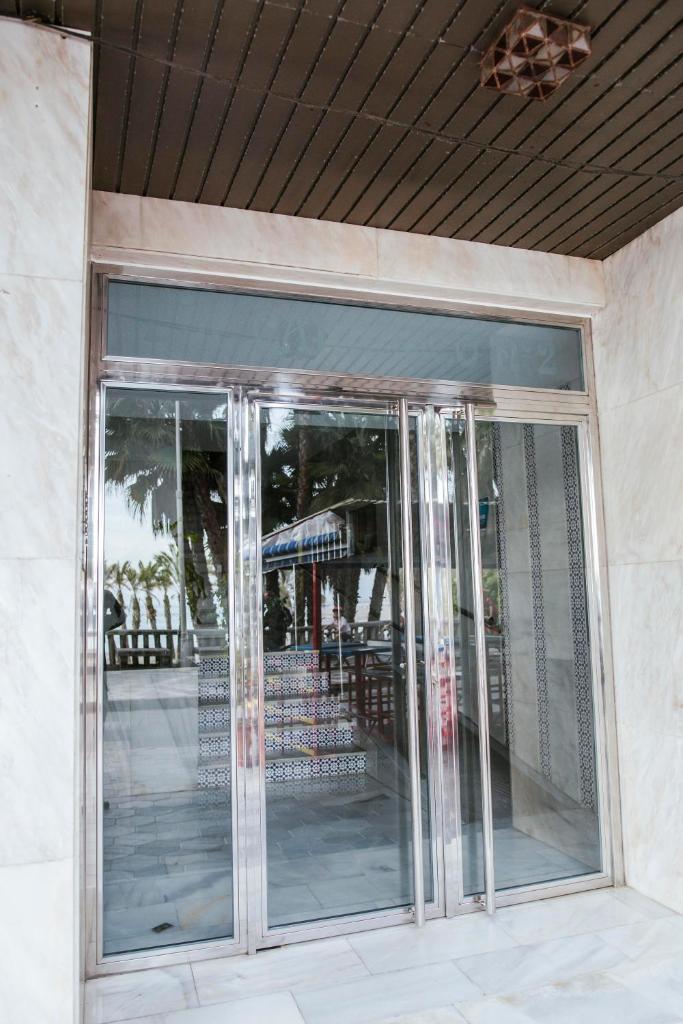 Апартаменты/квартира  atico primera linea de playa  - отзывы Booking