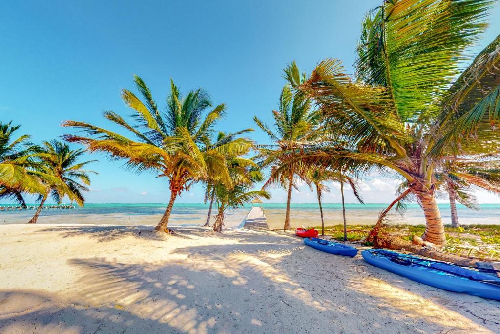 Апартаменты/квартиры  Blue Water Beach Villas  - отзывы Booking