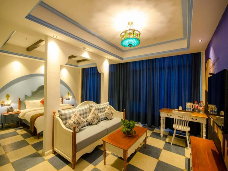 Отель  Thank Inn Chain Hotel Shanxi Linfen Central Square Of Hongtong County