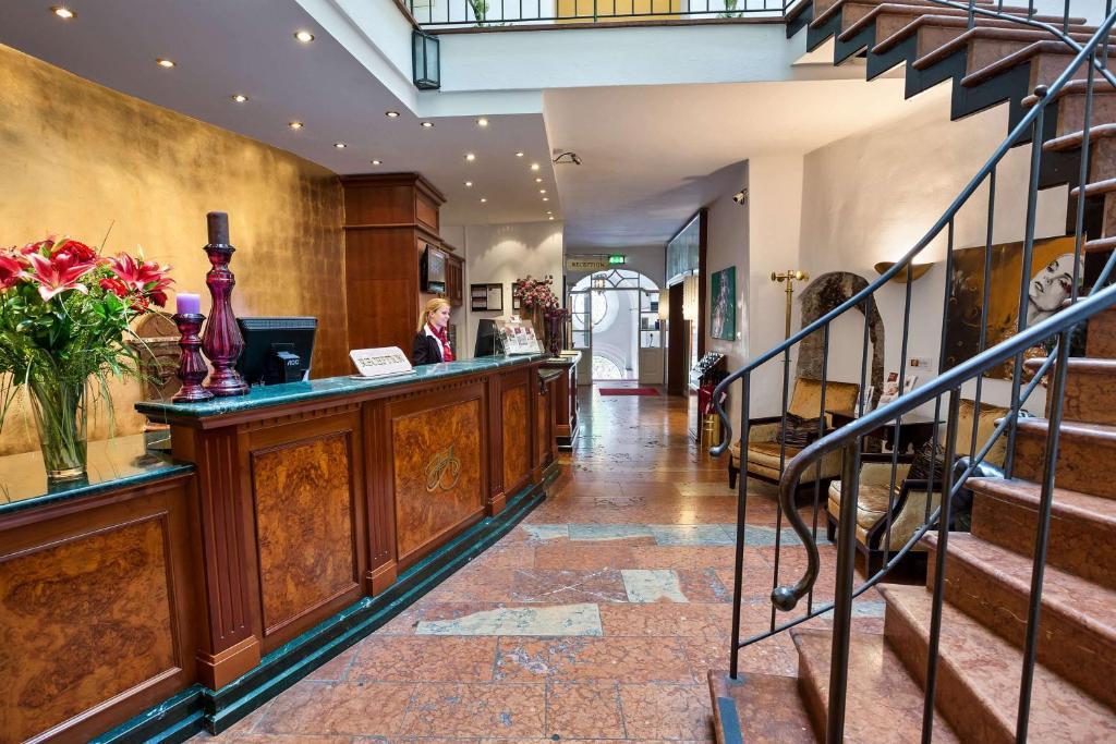 Отель  Radisson Blu Hotel Altstadt  - отзывы Booking