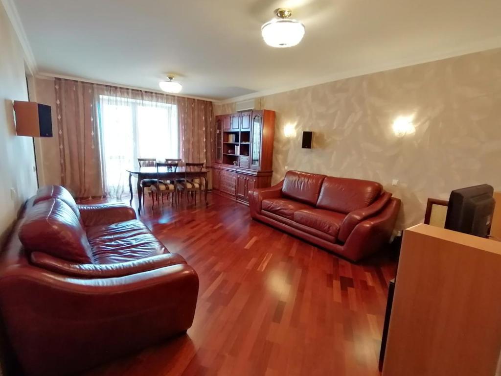 Апартаменты/квартира Apartments On Demokraticheskaya