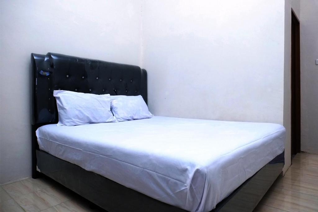 Отель OYO Life 2507 Rooftop Homestay - отзывы Booking