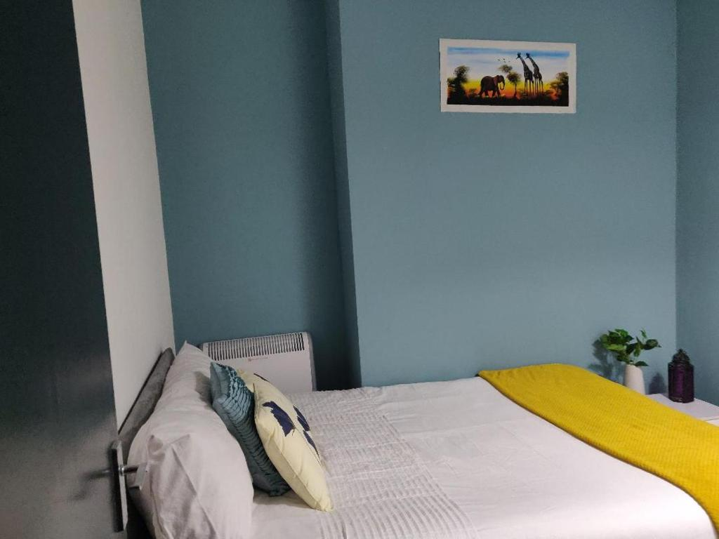 Апартаменты/квартира  Well equipped Beautiful Cosy flat in great location  - отзывы Booking