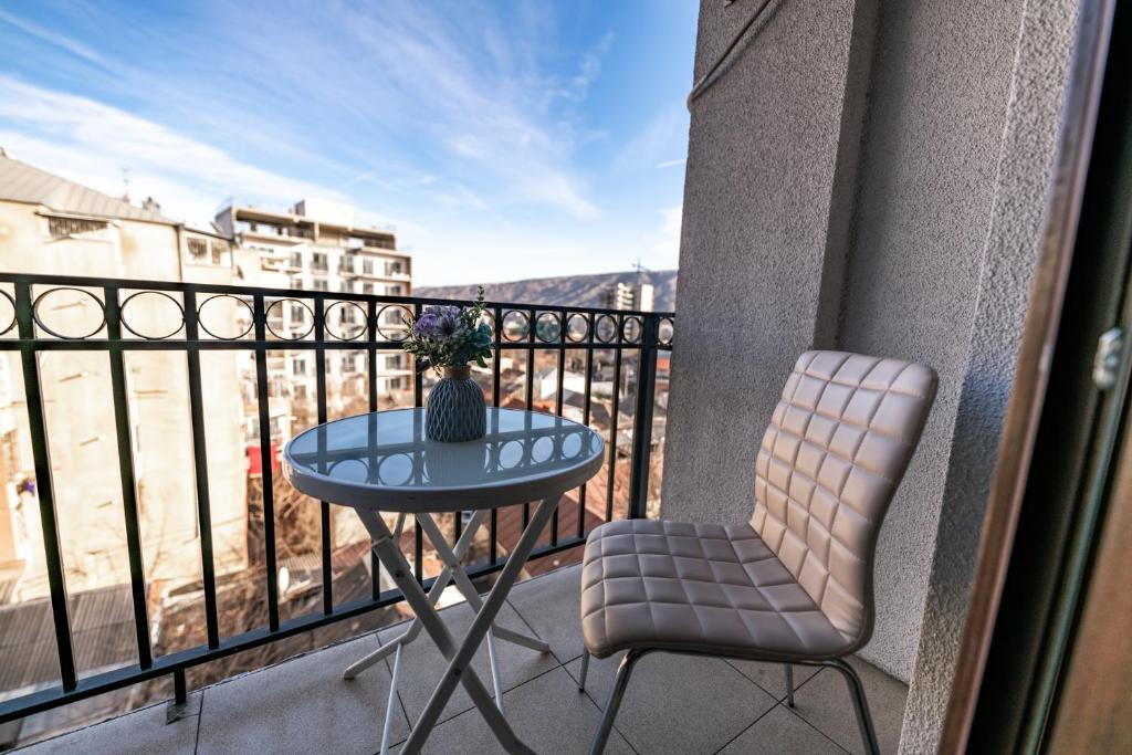 Апартаменты/квартира  Mountain View Apartment In Old Tbilisi  - отзывы Booking
