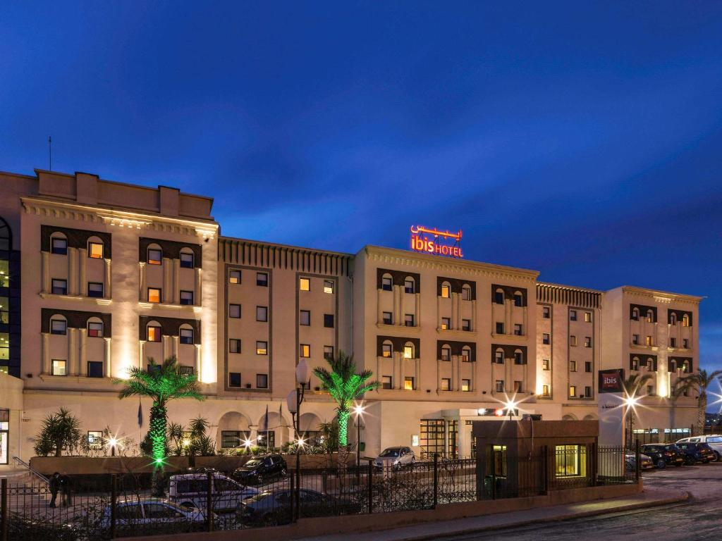 Отель Отель Ibis Constantine