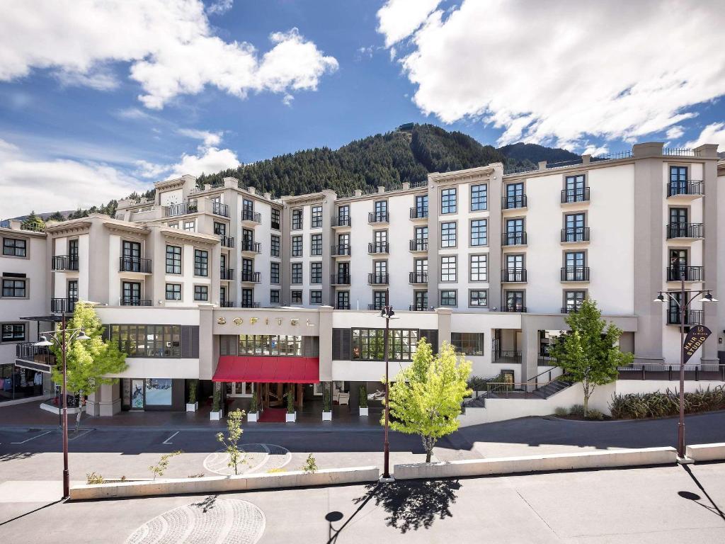 Отель  Sofitel Queenstown Hotel & Spa  - отзывы Booking