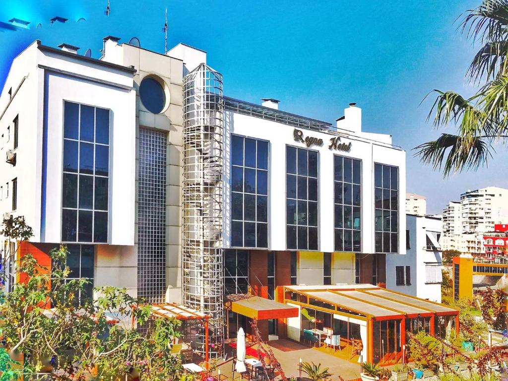 Отель  Regna Hotel  - отзывы Booking