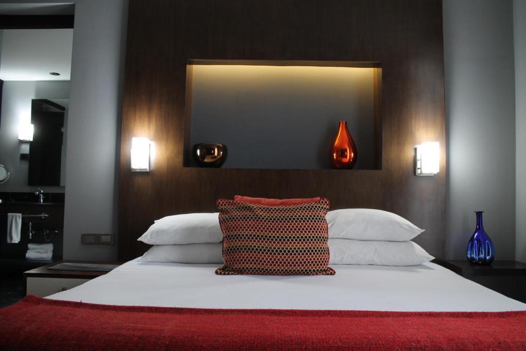 Отель Отель Hotel Love It Consulado