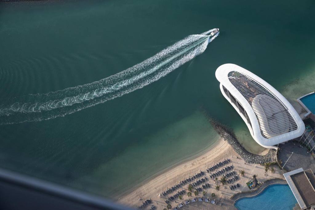 Отель  Отель  Conrad Abu Dhabi Etihad Towers