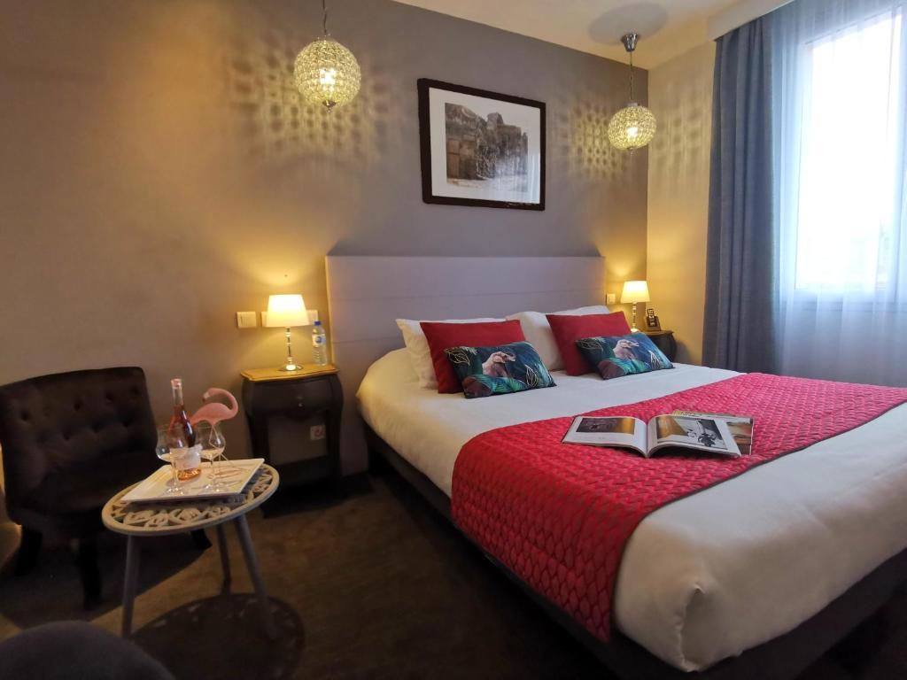 Отель  Brit Hotel Acacias  - отзывы Booking