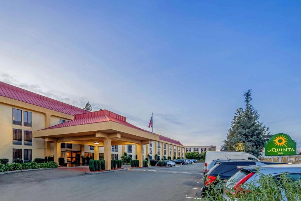 Отель  Отель  La Quinta By Wyndham Oakland Airport Coliseum