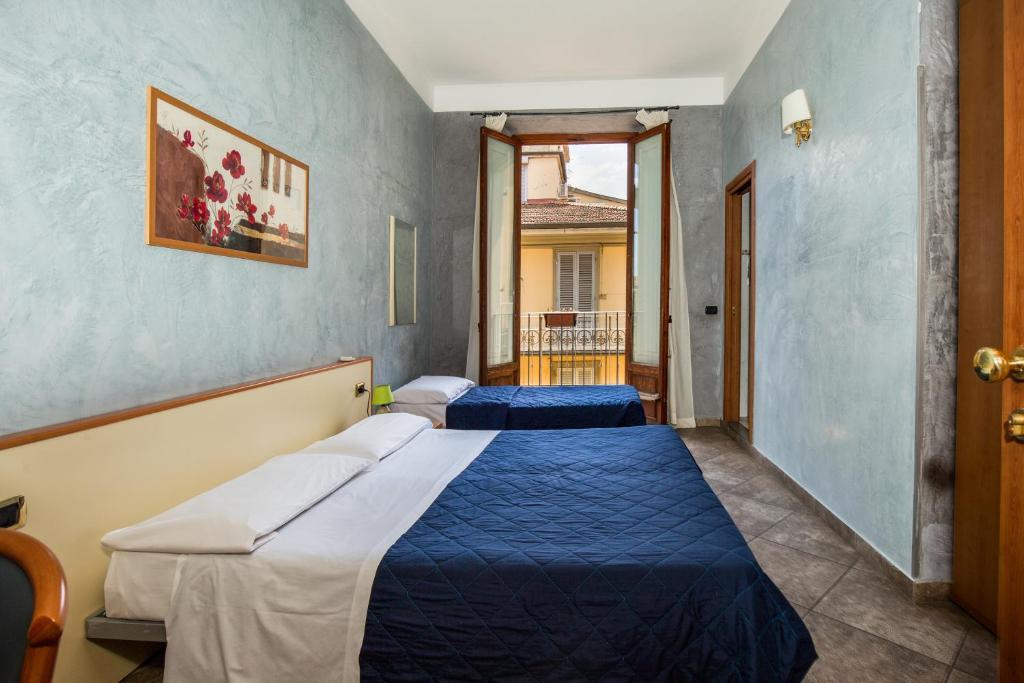 Отель  Hotel Angelica