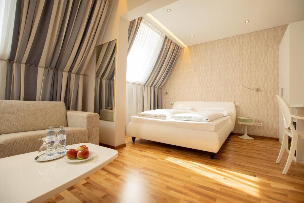 Отель  Отель  Hotel Gollner