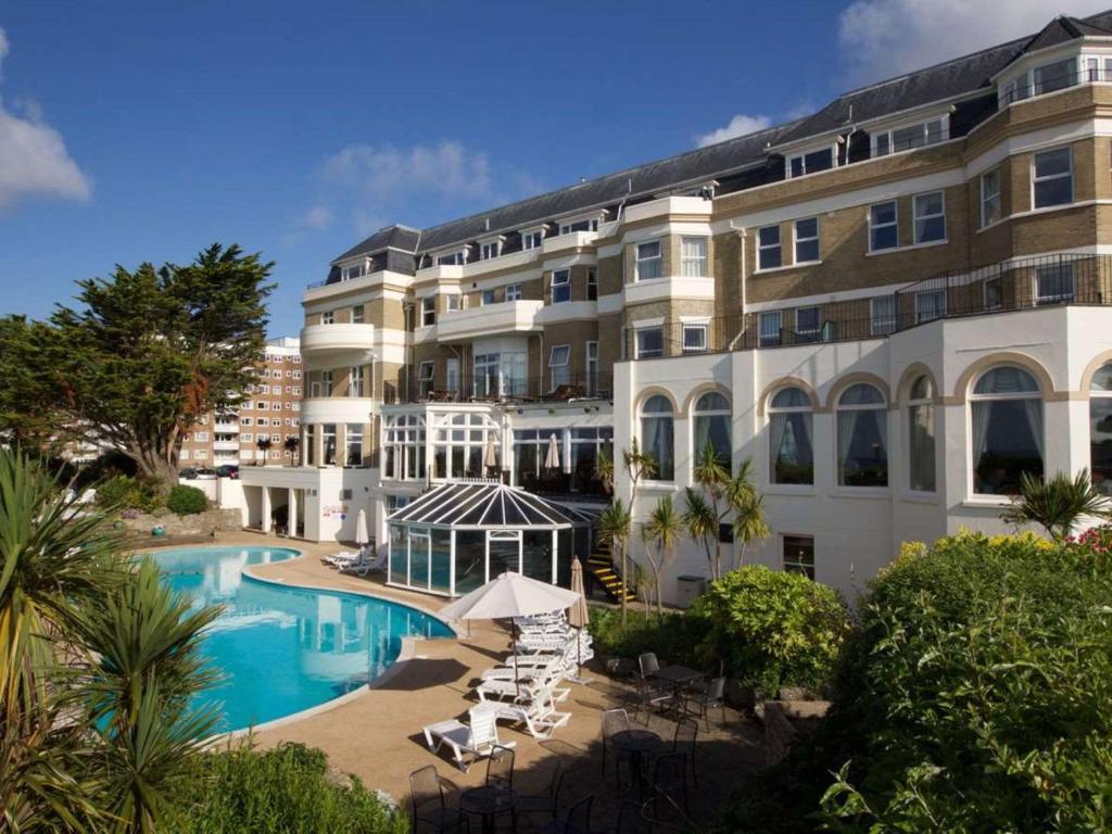 Отель  Отель  Bournemouth Carlton Hotel, BW Signature Collection