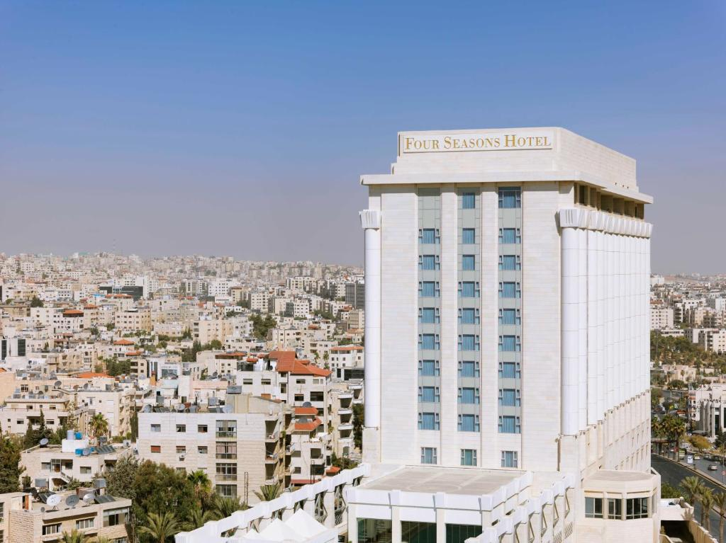 Отель  Отель  Four Seasons Hotel Amman