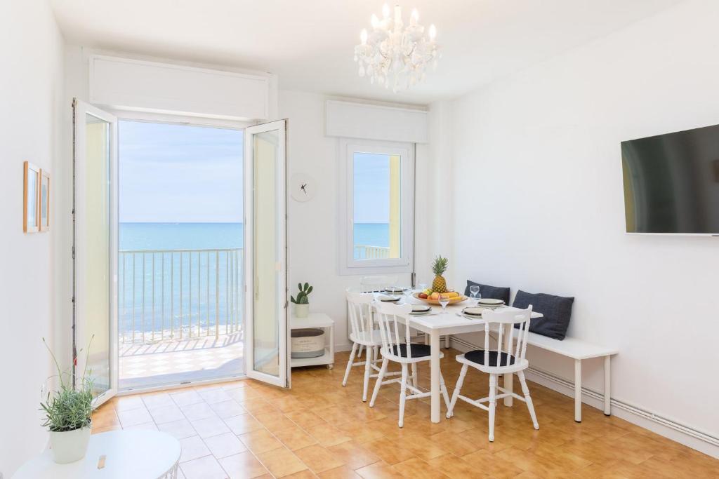 Апартаменты/квартира  Appartamento in posizione centrale con vista mare  - отзывы Booking