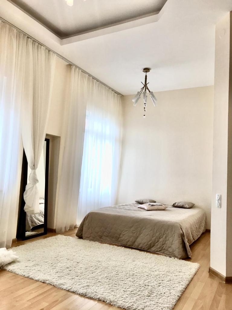 Апартаменты/квартира Apartment on Savushkina 32 - отзывы Booking