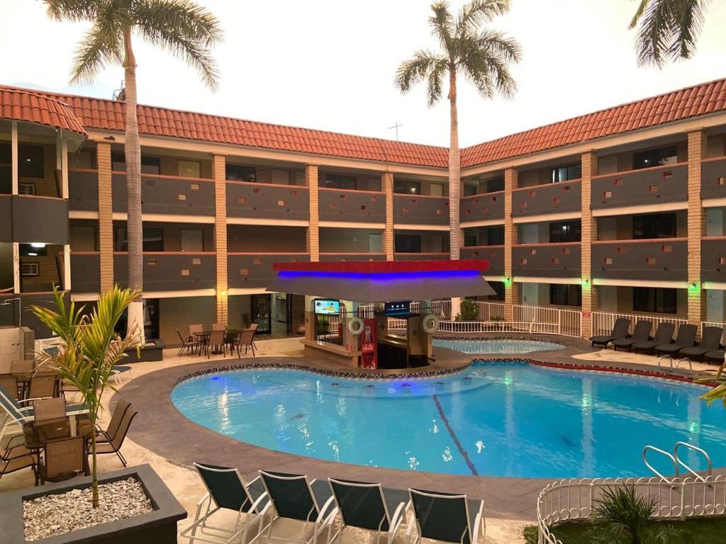 Отель  Hotel La Finca  - отзывы Booking