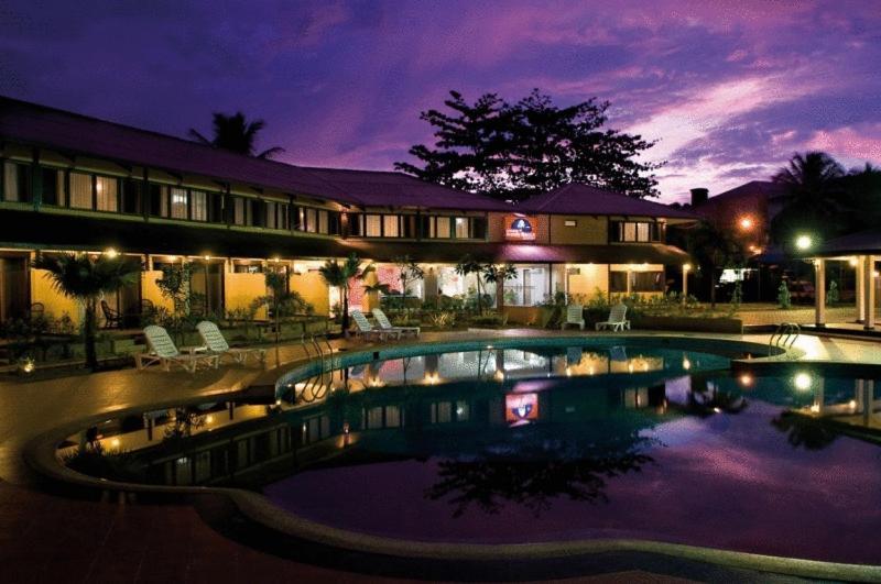 Курортный отель  Pangkor Sandy Beach Resort  - отзывы Booking