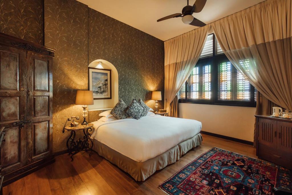 Отель  Campbell House  - отзывы Booking