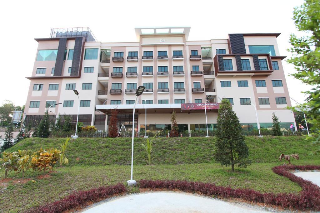 Отель  D&F BOUTIQUE HOTEL SEREMBAN 2  - отзывы Booking