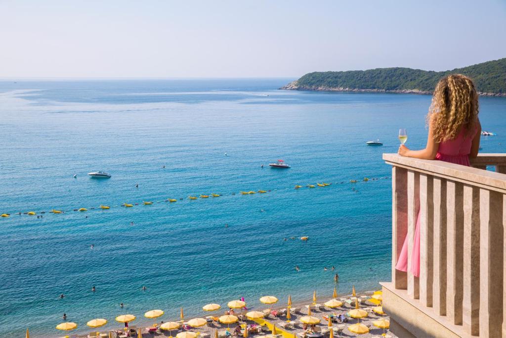 Фото  Отель  Poseidon The Beach Hotel