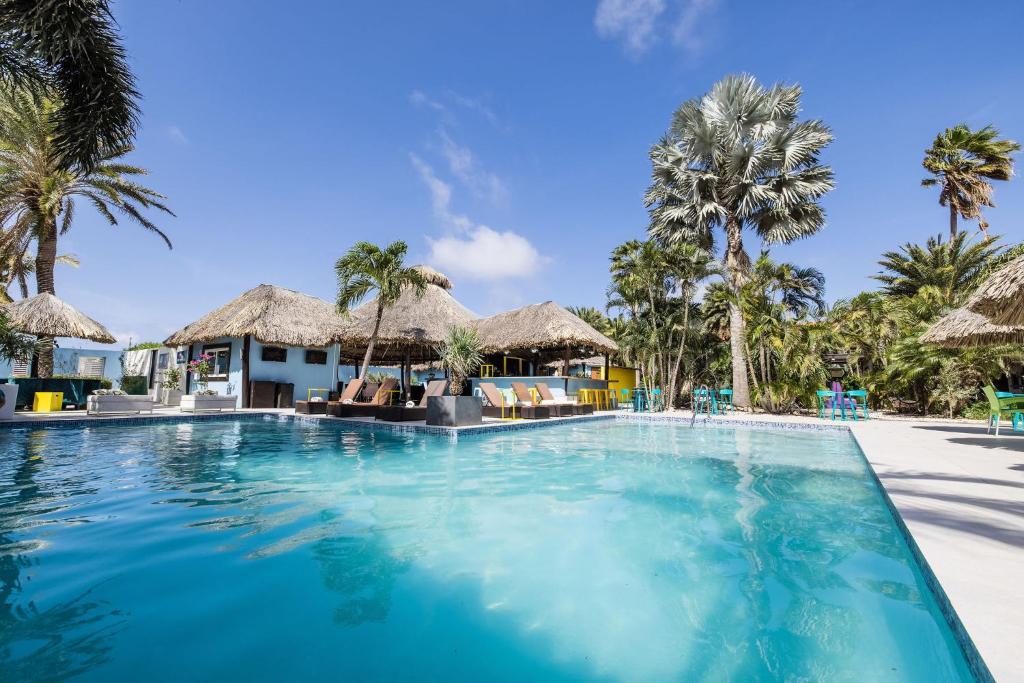 Отель Отель Van Gogh Inn Aruba