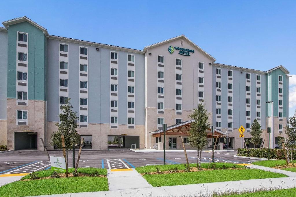 Отель  Отель  WoodSpring Suites Doral Miami Airport