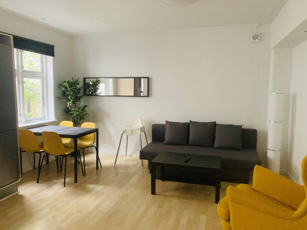 Апартаменты/квартира  Adnana - Knudsgade Apartment Suite