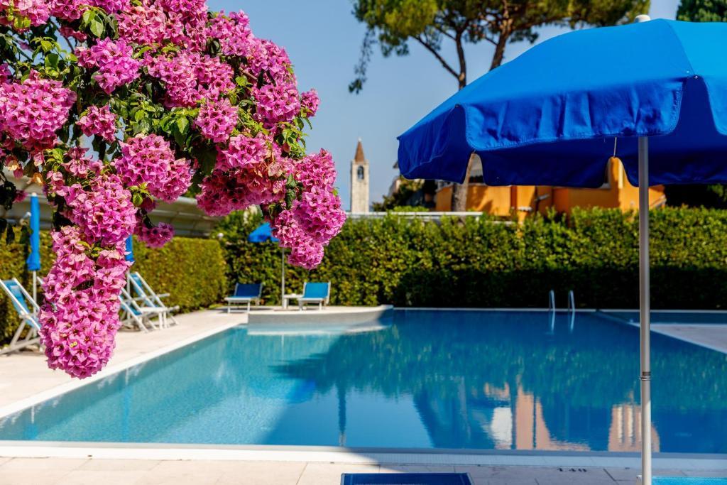 Отель  Hotel Idania  - отзывы Booking