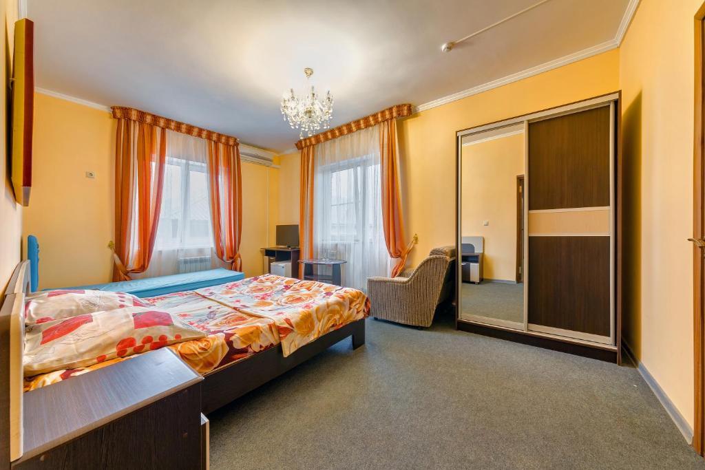 Гостевой дом  Отель Уют  - отзывы Booking