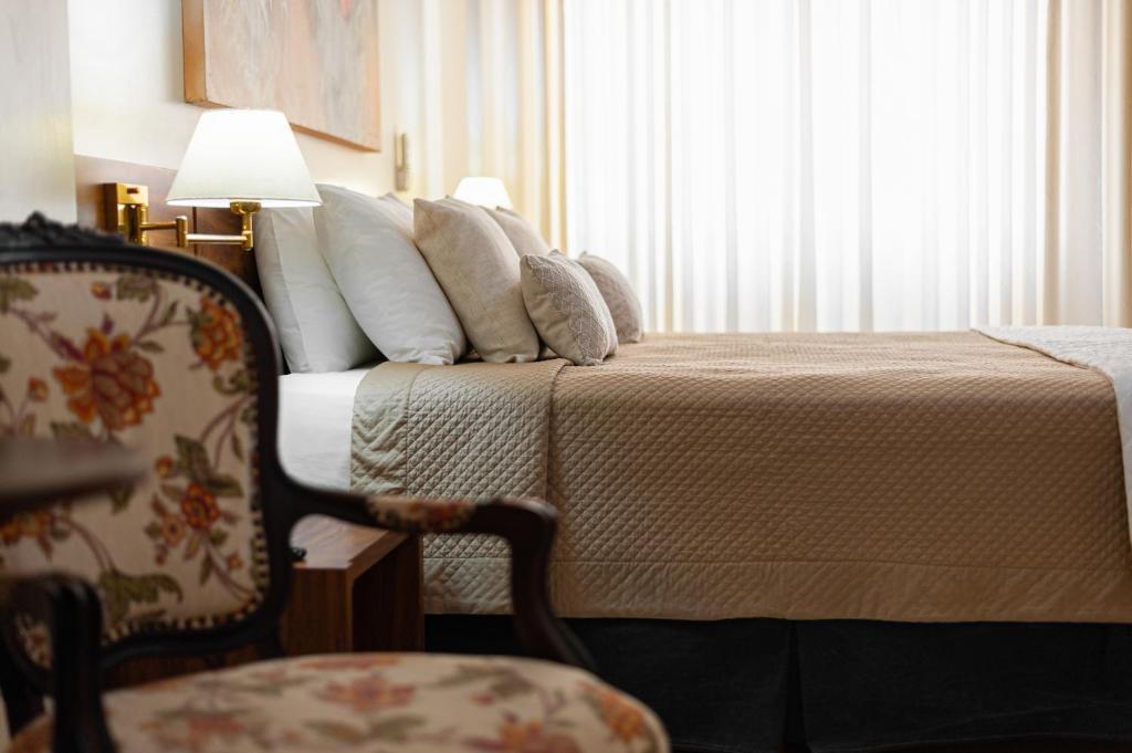 Отель  Отель  Rede Andrade Floph
