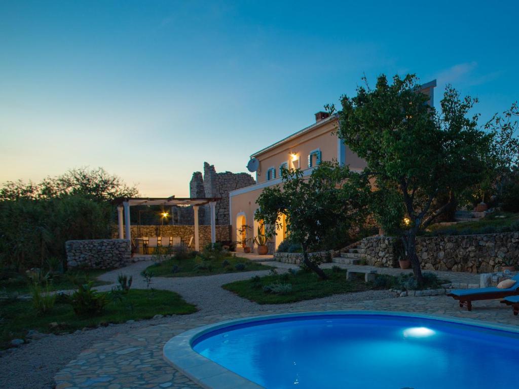 Вилла  Villa Cesarica Novalja  - отзывы Booking