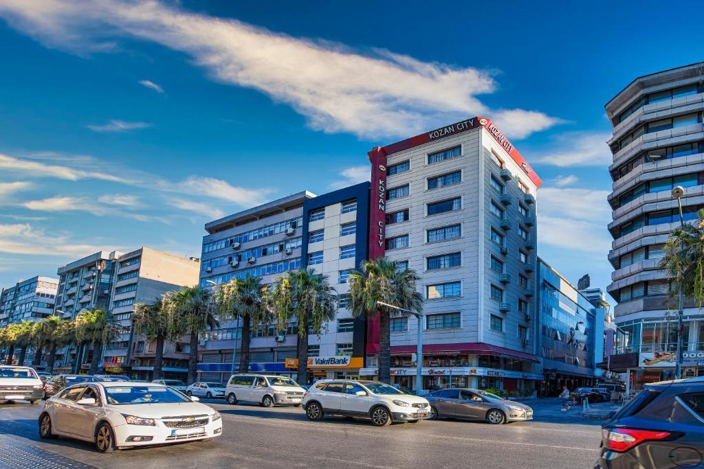 Отель  Отель  Kozan City Hotel