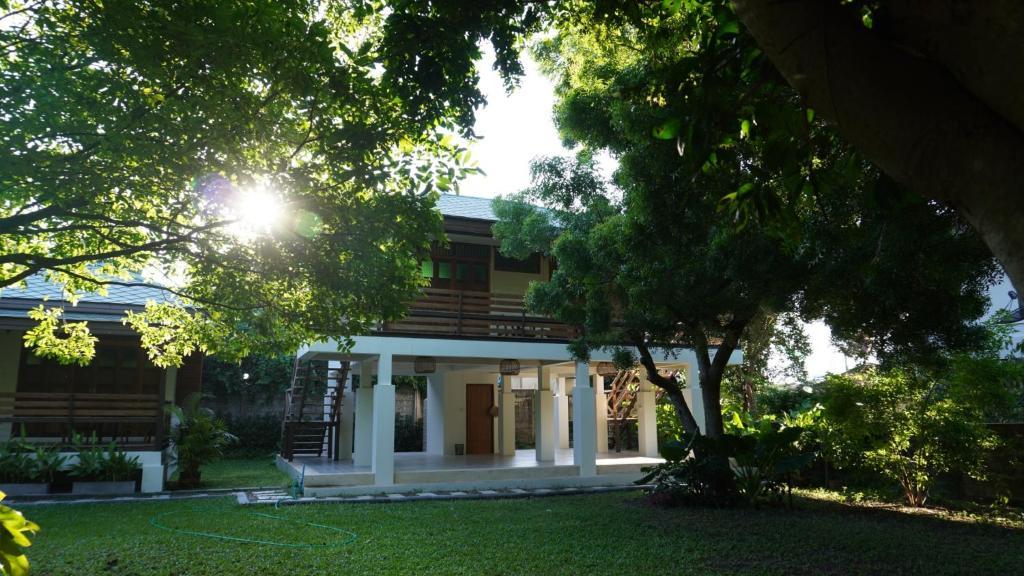 Проживание в семье Baan Leum Payla Heritage Homestay บ้านลืมเพลา - отзывы Booking