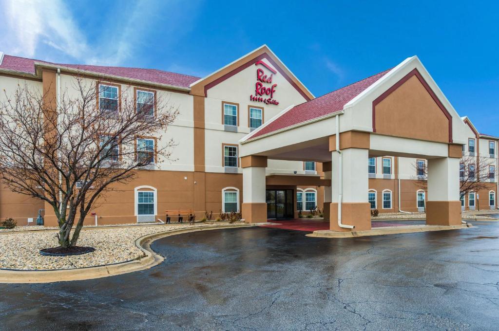 Отель  Red Roof Inn & Suites Monee  - отзывы Booking