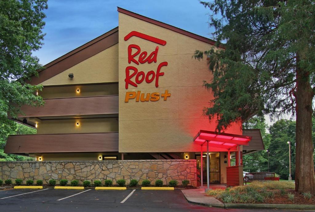Отель  Отель  Red Roof Inn PLUS+ Atlanta - Buckhead