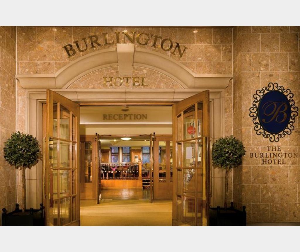 Отель  Отель  Macdonald Burlington Hotel